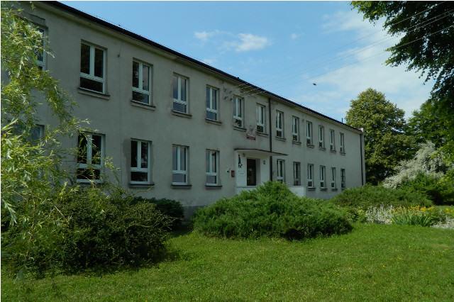 Budynek SP w Chłaniowie